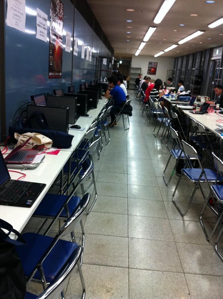 【TGS2011レポート】プレスルームってこんな感じ1