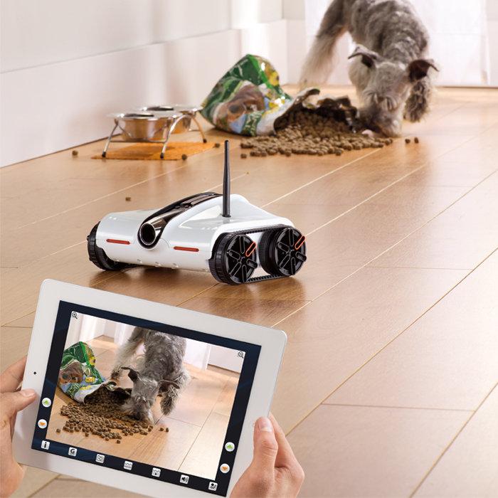 iPhoneとiPadでコントロールできるタンク型ラジコン「eye tank」、日本国内販売決定