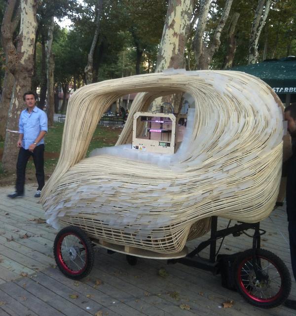 子供も大喜び! 3Dプリンタ製のチョコをフードカートで移動販売1