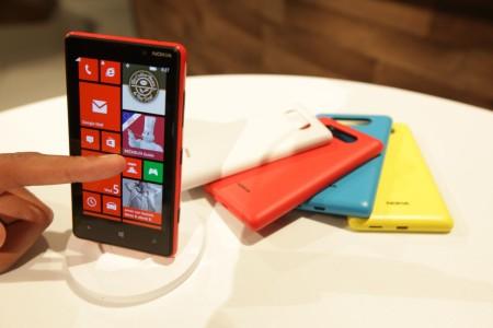 Nokia、「Lumia 820」のケースを3Dプリンタで自作できるデータキットをリリース