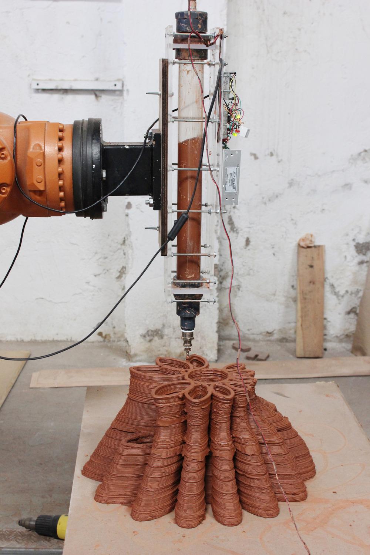 陶芸×3Dプリンタ?! 粘土を素材にできる3Dプリンタ「FabClay」1