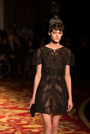 パリ・ファッション・ウィークに3Dプリンタ製の服が登場3