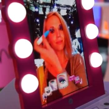 玩具メーカーのマテル、ARでメイクを楽しめる女児向け玩具「Digital Makeover Mirror」を発表