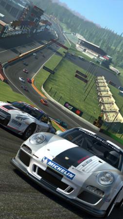 46種類の実車が登場! EA、スマホ向けレーシングゲーム「Real Racing 3」をリリース1