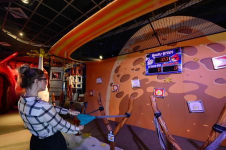 ケネディ宇宙センターにAngry Birdsのテーマパーク「Angry Birds Space Encounter」オープン!2