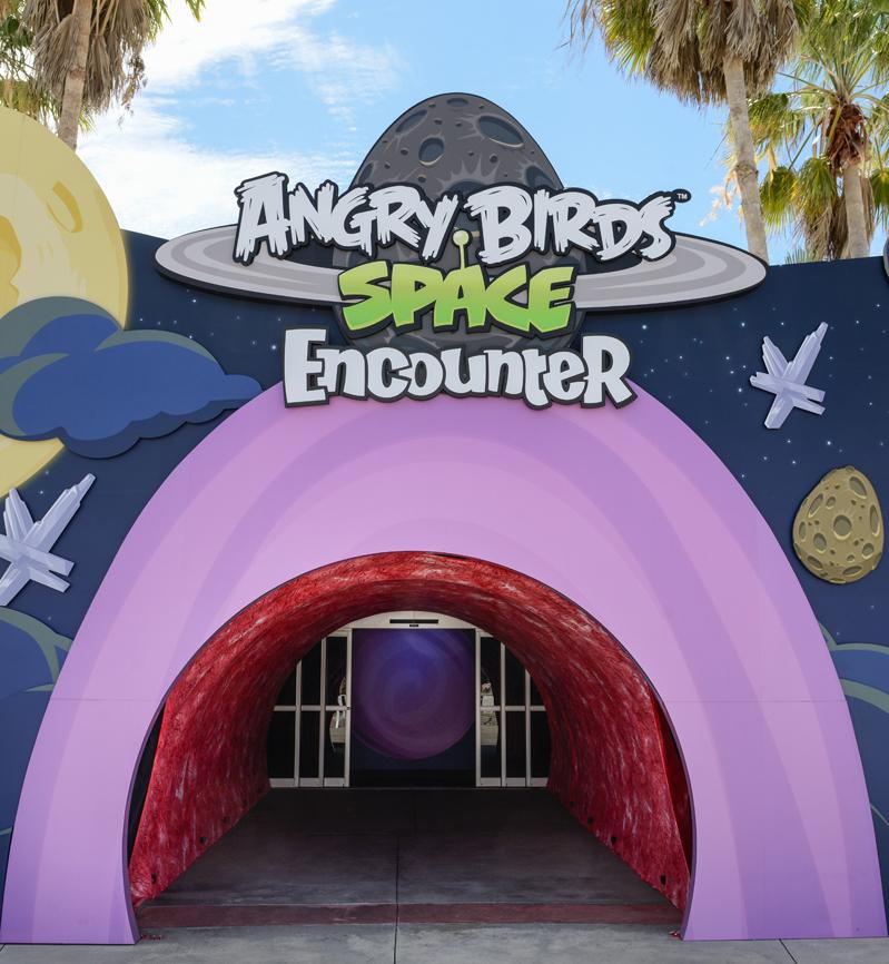 ケネディ宇宙センターにAngry Birdsのテーマパーク「Angry Birds Space Encounter」オープン!1