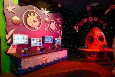 ケネディ宇宙センターにAngry Birdsのテーマパーク「Angry Birds Space Encounter」オープン!3