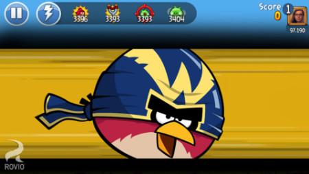 ソーシャル要素も楽しめる! Rovio、スマホ版「Angry Birds Friends」をリリース3
