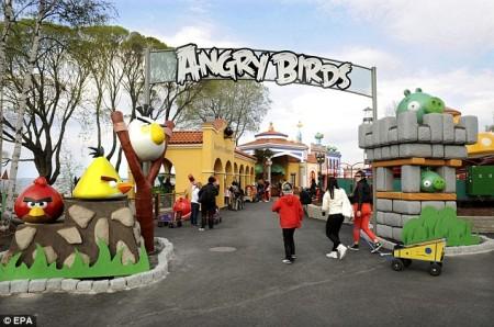 東南アジア初! 来年5月にマレーシアにてAngry Birdsのテーマパークがオープン