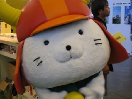 【Japan Expoレポート】ゆるキャラブームの火付け役ひこにゃん、彦根ブースで彦根城をPR1