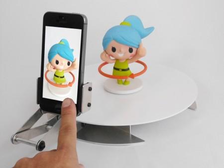 iPhoneで被写体をくるっと360°簡単撮影!クラウドファンディング「zenmono」にてプロジェクト「くるみる」プロジェクト始動!1
