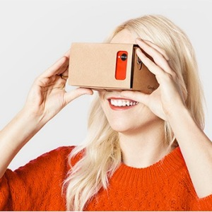 Google、ダンボール製VR用ヘッドマウントディスプレイ「Cardboard」向けのアプリストアをオープン SDKも公開