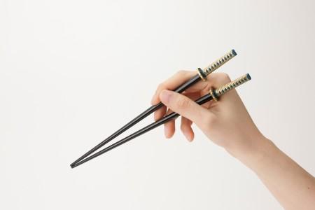 壽屋、「加州清光」や「和泉守兼定」など話題の日本刀を模したお箸を商品化