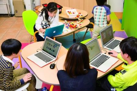 デジハリとQremo、スマホアプリ制作ツール「JointApps」を使った子供向け講座「はじめてのアプリ開発」を開催