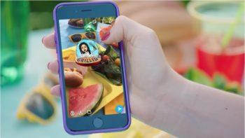Snapchat、買収したBitstripsのアバター絵文字サービス「Bitmoji」を新機能として実装