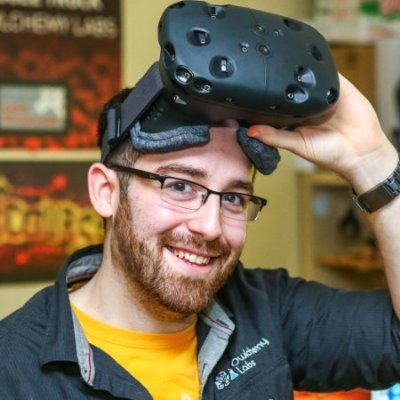 アメリカ大使、お仕事体験VRシミュレーションゲーム「ジョブシミュレーター」の開発者をゲストに迎えた講演会を開催