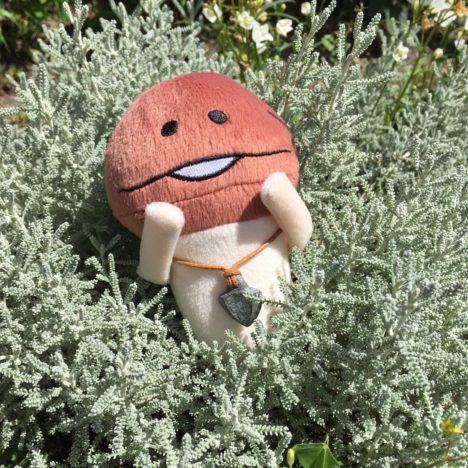 【夏休み特別企画】ゲームアイテムを具現化したい! なめこシリーズ最新作「なめこの巣」の「かっこいい石」を作ってみた