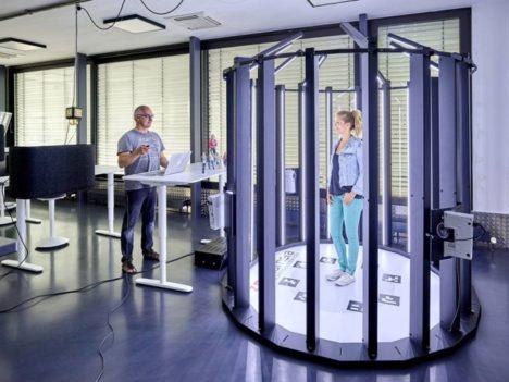 Psychic VR Lab、ファッションコーディネートを3DスキャンしてSNSにシェアできる「STYLYスキャナー」を販売開始 導入第一弾はパルコ