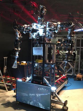 【Slush Tokyo 2018レポート】ロボット、VR、3Dサウンドと活用した花火---バラエティに富んだavexブースをレポート