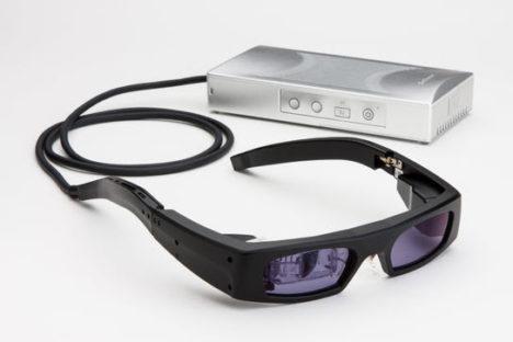 QDレーザ、網膜走査型レーザアイウェア「RETISSA Display」の受注を開始