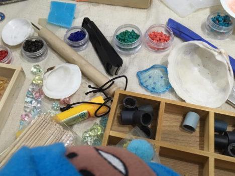 【レポート】海辺で拾ったゴミをクリエイティブに有効活用 「海辺の資源をつかったアクセサリー制作会」レポート