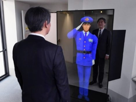 セコム、AIを活用して等身大バーチャルキャラクターが警備・受付業務を提供する「バーチャル警備システム」を開発